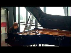 Pianist Ralph van Raat plays John Tavener: In Memory of Two Cats (1986)